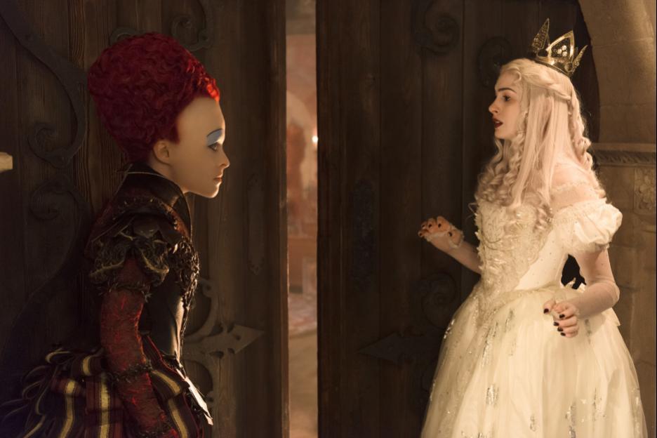 Alice Through The Looking-Glass Red queen Helena Bonham Carter White queen Anne Hathaway