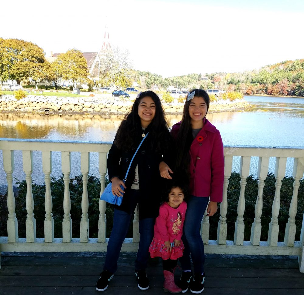 Nova Scotia Mahone Bay - Elisha, Ellyssa and Eliana -  Halifax Attractions